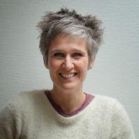 Portrait de Shelby Derudder, professeur de NIA